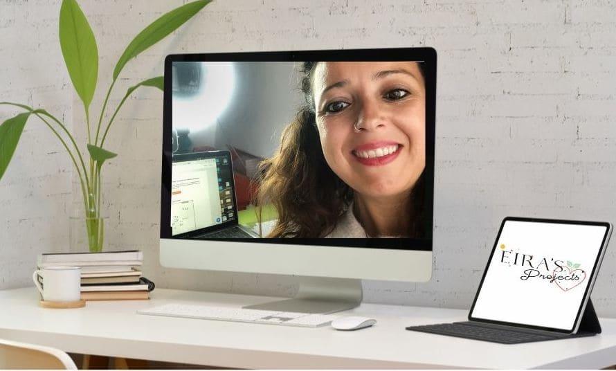 Mesa de trabajo con ordenador y tablet Eira's Projects
